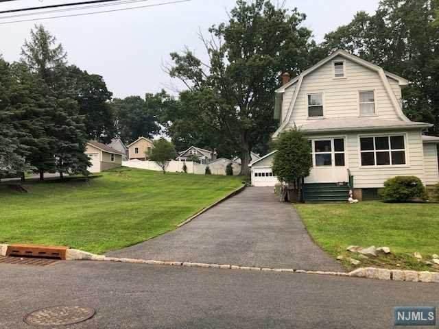 86 Durrell Street, Verona, NJ 07044 (MLS #21029736) :: The Dekanski Home Selling Team