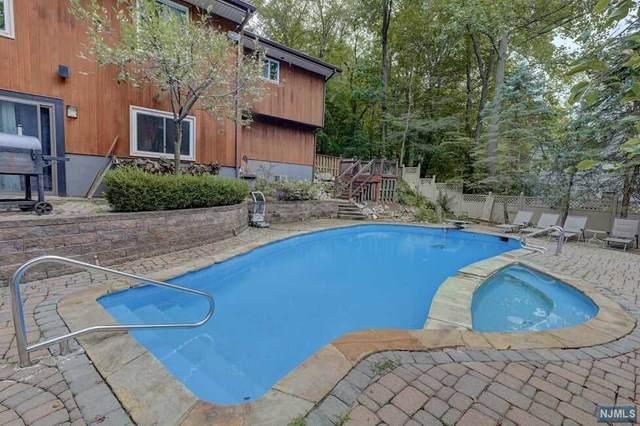 550 Dorchester Drive, River Vale, NJ 07675 (MLS #21029982) :: Kiliszek Real Estate Experts