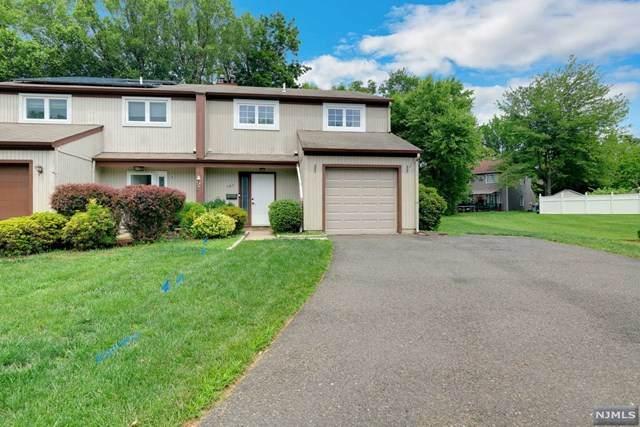 141 Grove Street, Bergenfield, NJ 07621 (MLS #21029996) :: The Dekanski Home Selling Team