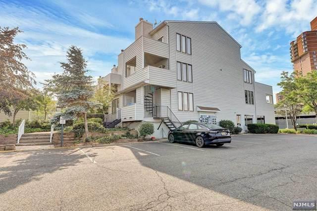 831 Topsail Lane, Secaucus, NJ 07094 (#21030086) :: United Real Estate