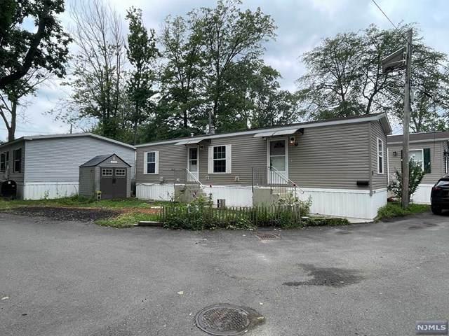 14 E 4TH Street, Moonachie, NJ 07074 (MLS #21030273) :: Kiliszek Real Estate Experts
