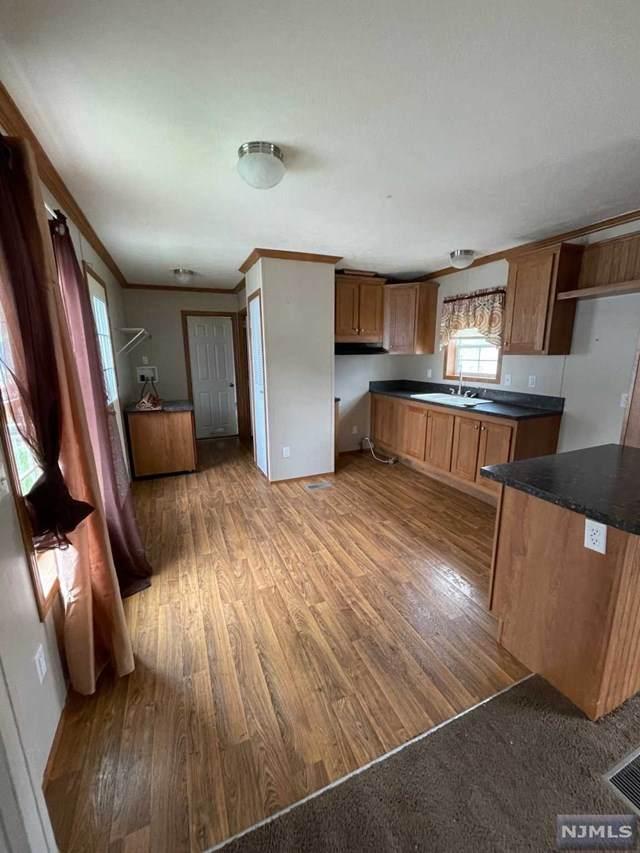 8 6th Street, Moonachie, NJ 07074 (MLS #21030275) :: Kiliszek Real Estate Experts