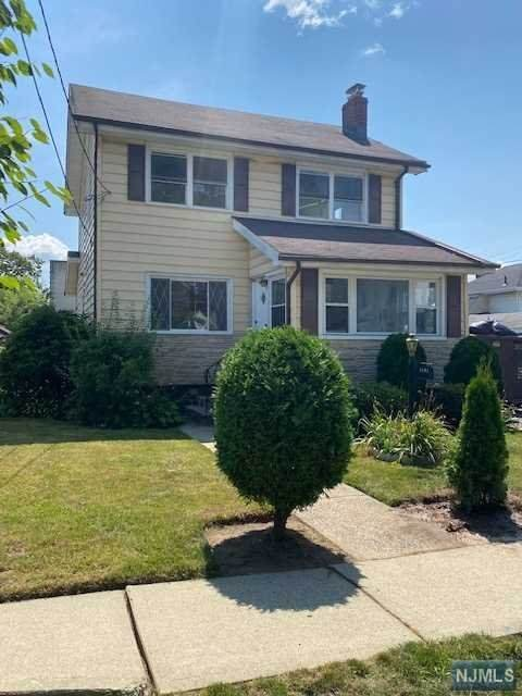 1141 Katherine Street, Teaneck, NJ 07666 (MLS #21030281) :: Kiliszek Real Estate Experts