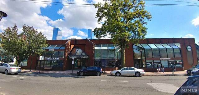 2024 Center Avenue - Photo 1