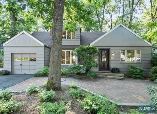 451 Hillcrest Road, Ridgewood, NJ 07450 (MLS #21030541) :: Kiliszek Real Estate Experts