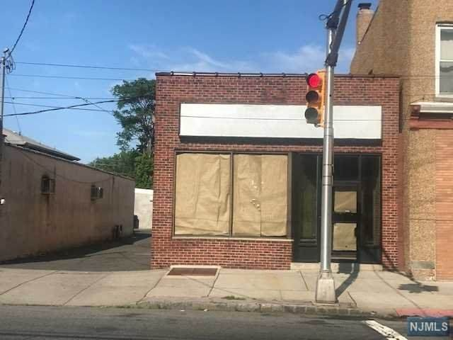 146 Hudson Street - Photo 1