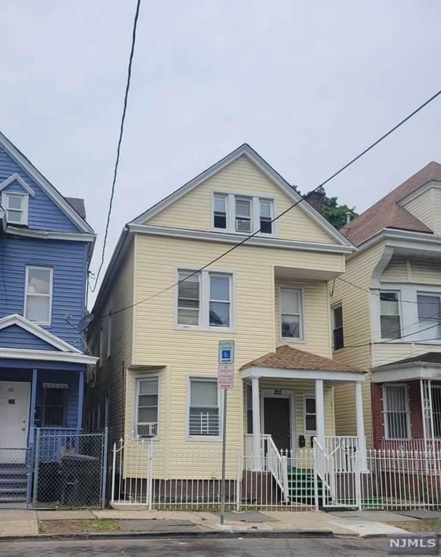 203 11th Street - Photo 1