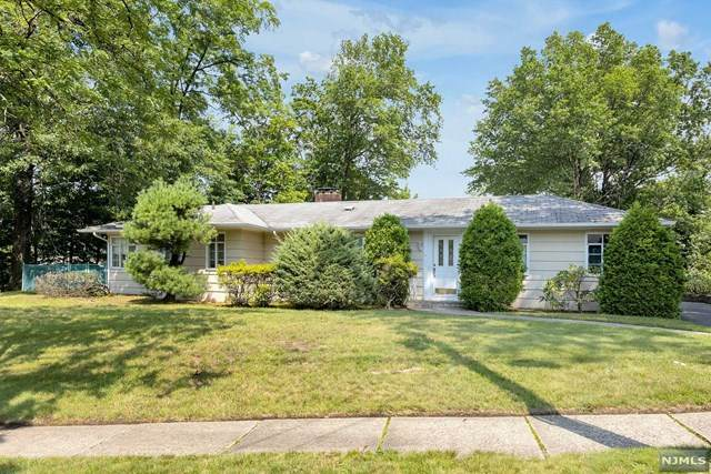 888 Summit Avenue, River Edge, NJ 07661 (MLS #21030710) :: Team Braconi | Christie's International Real Estate | Northern New Jersey