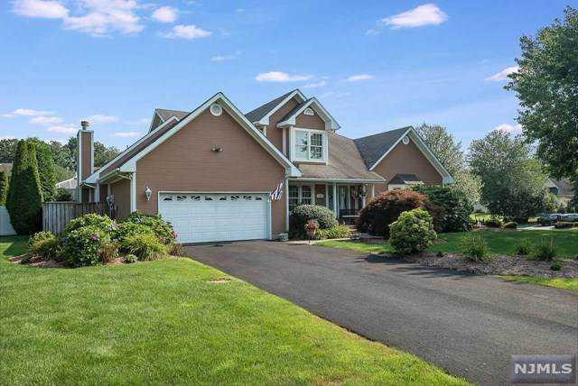 27 Lowell Drive, Wayne, NJ 07470 (MLS #21030836) :: Kiliszek Real Estate Experts