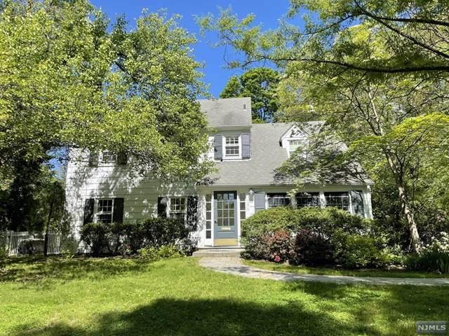286 Midvale Street, Ridgewood, NJ 07450 (MLS #21030941) :: Kiliszek Real Estate Experts