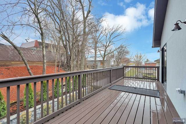 338 10th Street, Palisades Park, NJ 07650 (#21031012) :: NJJoe Group at Keller Williams Park Views Realty