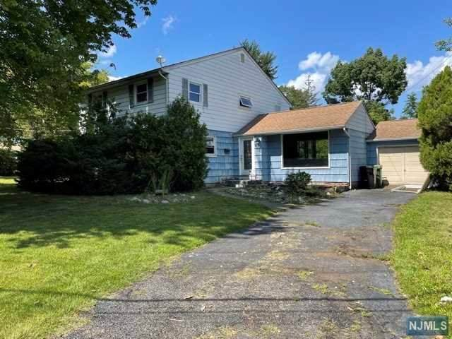275 Addison Place, Paramus, NJ 07652 (#21031186) :: NJJoe Group at Keller Williams Park Views Realty