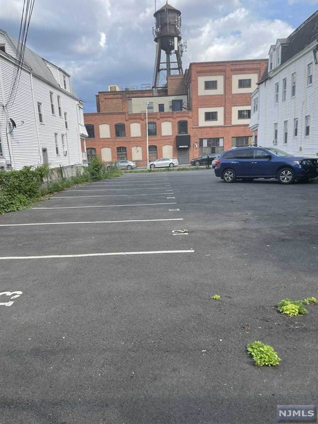 263 N 19th Street, East Orange, NJ 07017 (MLS #21031193) :: Howard Hanna Rand Realty