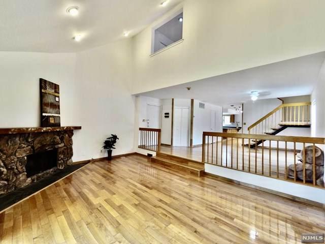 380 Whimbrel Lane, Secaucus, NJ 07094 (MLS #21031198) :: Kiliszek Real Estate Experts