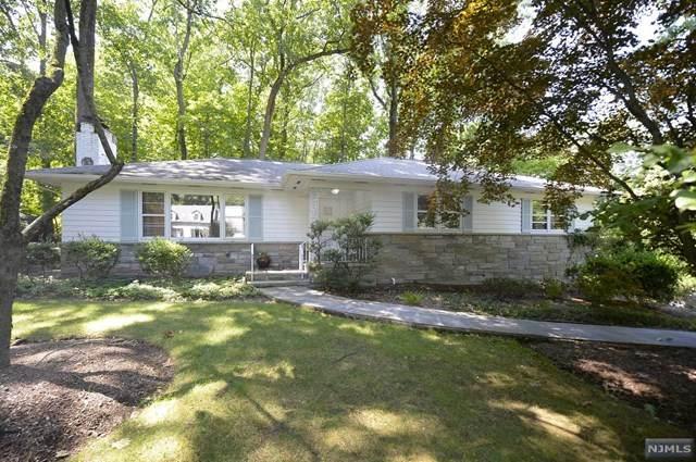 976 E Glen Avenue, Ridgewood, NJ 07450 (MLS #21031218) :: Kiliszek Real Estate Experts