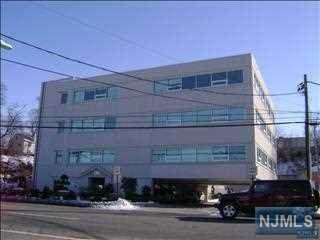 725 Grand Avenue, Ridgefield, NJ 07657 (MLS #21031501) :: The Dekanski Home Selling Team