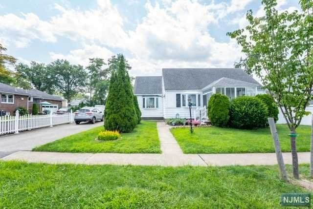 152 Paterson Avenue, Lodi, NJ 07644 (MLS #21031511) :: The Dekanski Home Selling Team