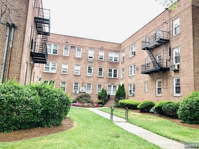 126 Hackett Place - Photo 1