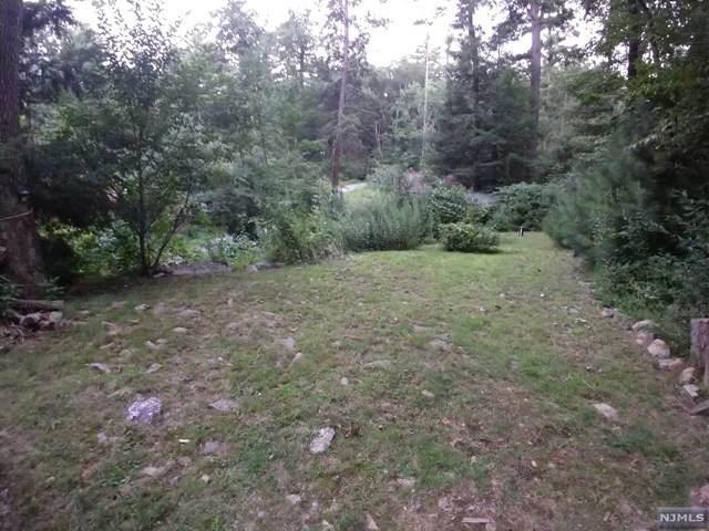 59 Pinecrest Trail, West Milford, NJ 07480 (#21031706) :: United Real Estate
