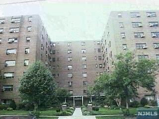 208 Anderson Street N4h, Hackensack, NJ 07601 (#21031809) :: United Real Estate
