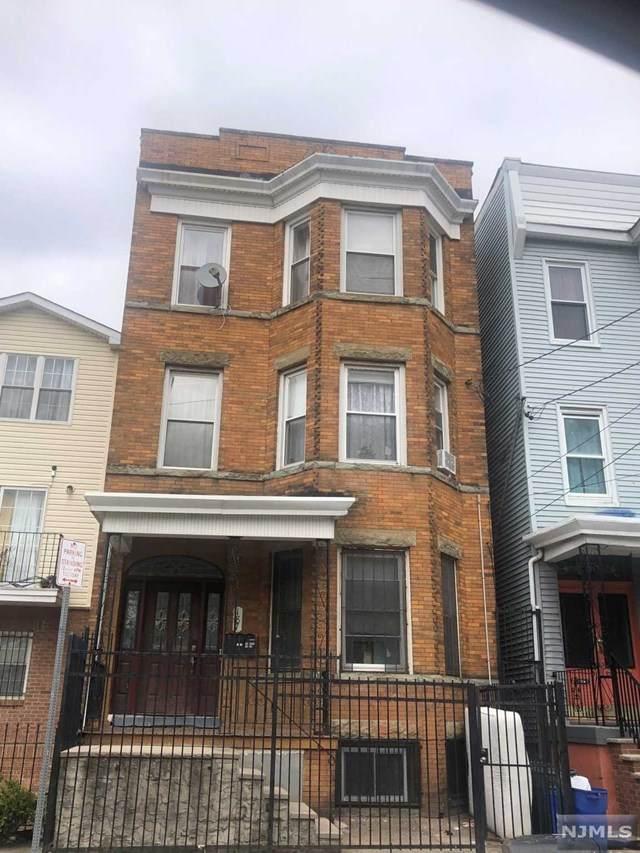187 Sussex Avenue - Photo 1