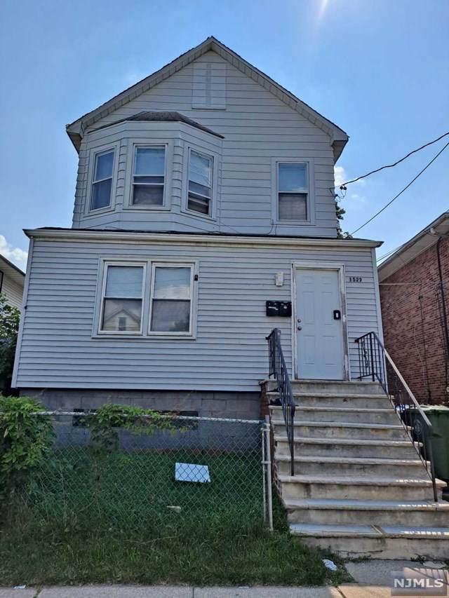 1522 Wood Avenue - Photo 1