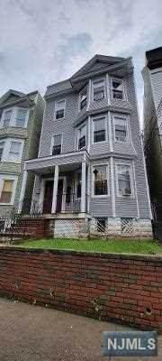 524 Grove Street - Photo 1