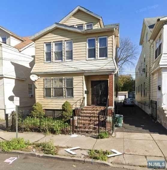174 Columbia Avenue - Photo 1