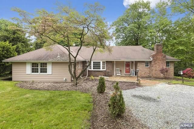 712 Hemlock Drive, Oradell, NJ 07649 (MLS #21035151) :: Kiliszek Real Estate Experts
