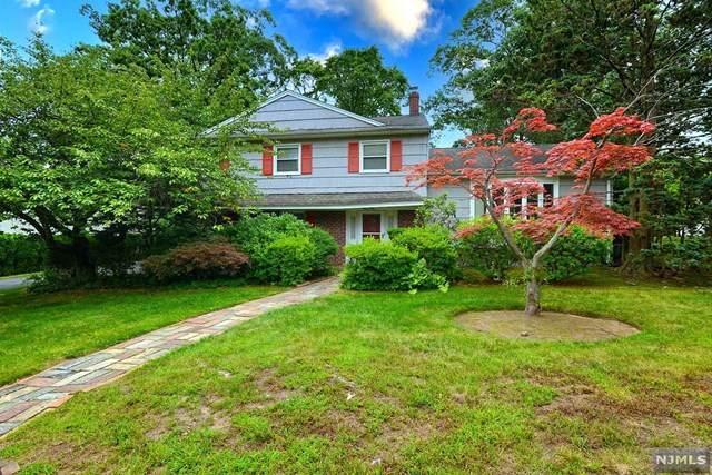 31 Geraldine Road, Englewood Cliffs, NJ 07632 (MLS #21035323) :: Corcoran Baer & McIntosh