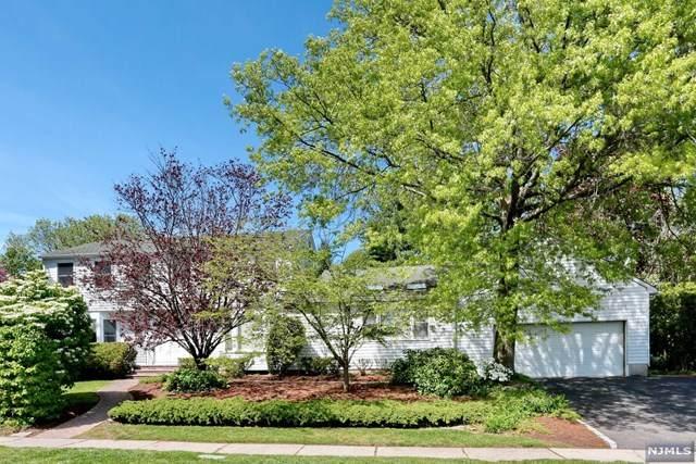 836 Hennigar Place, Oradell, NJ 07649 (MLS #21035946) :: Kiliszek Real Estate Experts