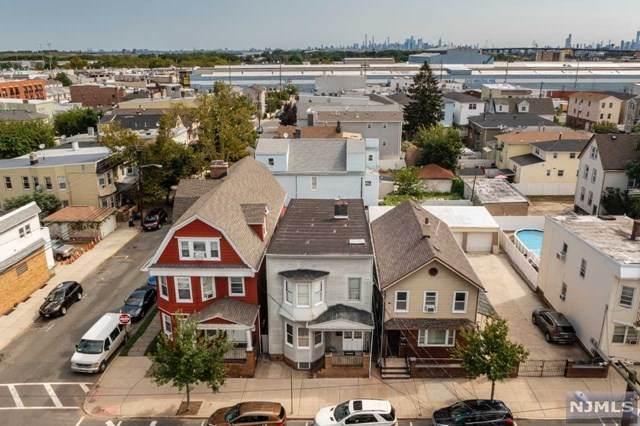 102 7th Street, Harrison, NJ 07029 (MLS #21036405) :: Kiliszek Real Estate Experts