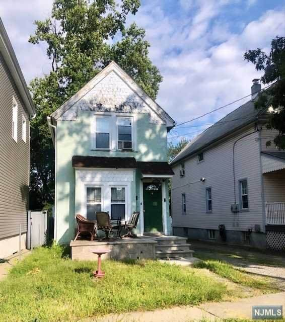 206 Forest Street - Photo 1