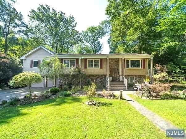 126 Midwood Avenue, Allendale, NJ 07401 (MLS #21036550) :: Team Braconi | Christie's International Real Estate | Northern New Jersey