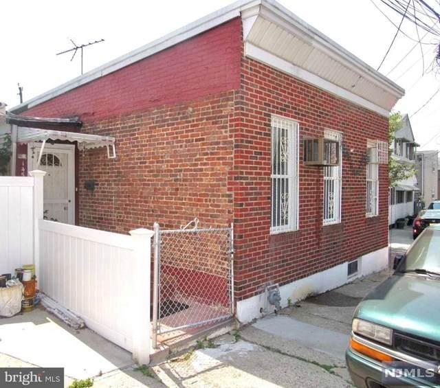 1457 52nd Street - Photo 1