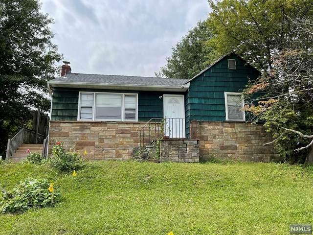 182 Maplewood Avenue, Clifton, NJ 07013 (MLS #21037449) :: Kiliszek Real Estate Experts