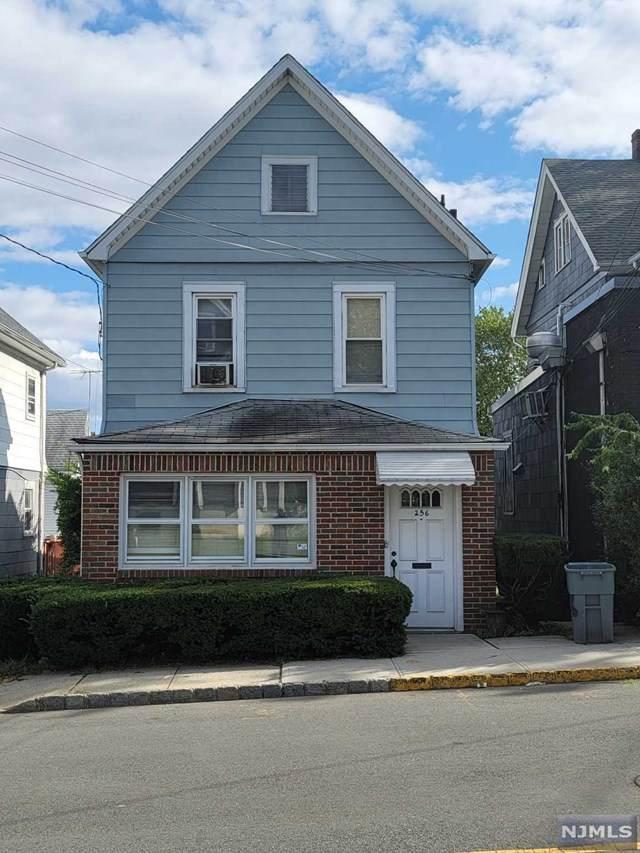 256 Montgomery Street - Photo 1
