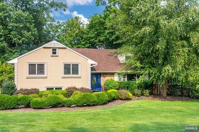 9 Hemlock Drive, North Caldwell, NJ 07006 (MLS #21037682) :: Team Braconi | Christie's International Real Estate | Northern New Jersey