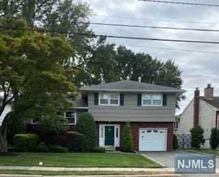 61 Somerville Street, Rochelle Park, NJ 07662 (MLS #21037831) :: Team Braconi   Christie's International Real Estate   Northern New Jersey