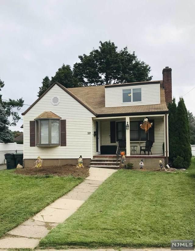 37 Turnure Street, Bergenfield, NJ 07621 (MLS #21037898) :: Kiliszek Real Estate Experts