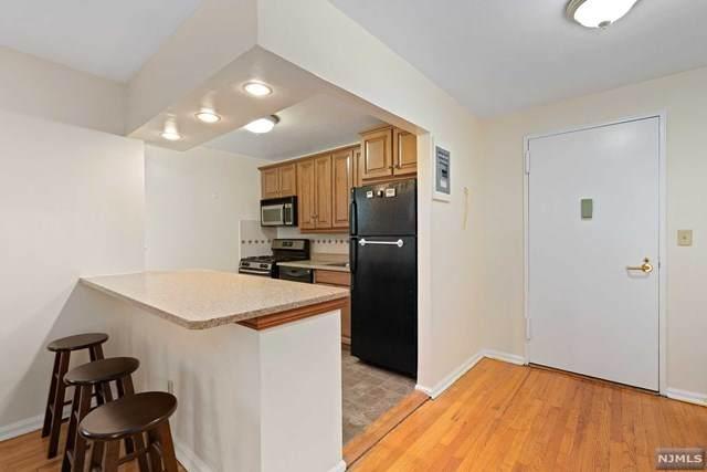 2205 N Central Road 2B, Fort Lee, NJ 07024 (MLS #21037914) :: Team Braconi | Christie's International Real Estate | Northern New Jersey