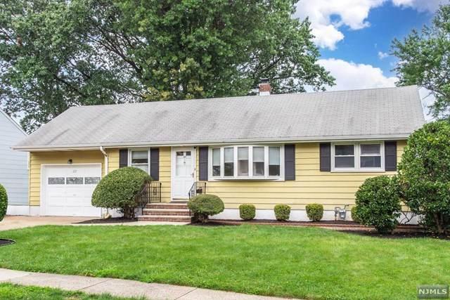 127 Oak Ridge Road, Clifton, NJ 07013 (MLS #21038599) :: Team Braconi   Christie's International Real Estate   Northern New Jersey