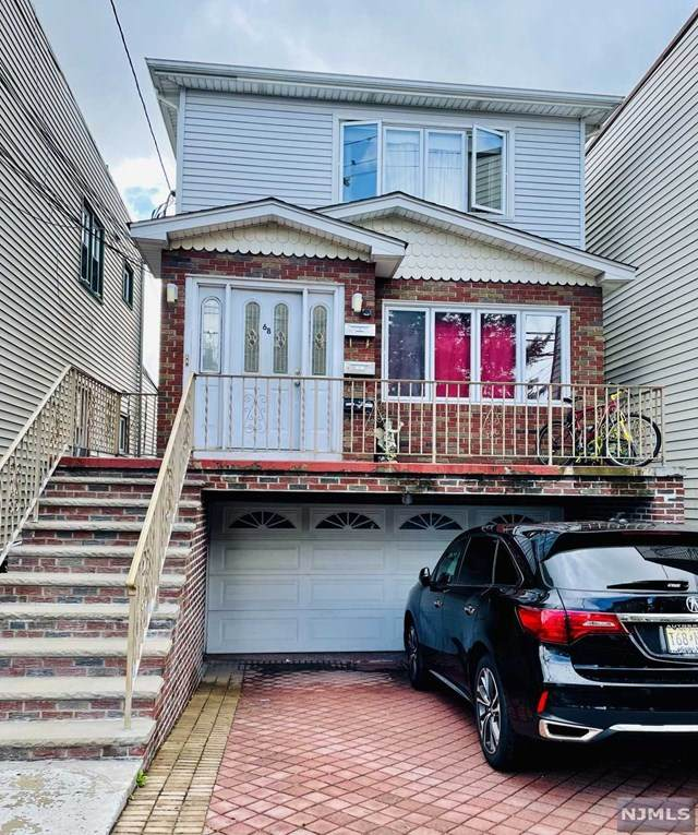 68 Anderson Avenue, Fairview, NJ 07022 (MLS #21038651) :: Provident Legacy Real Estate Services, LLC