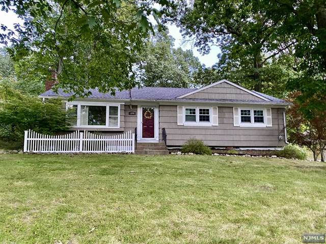 129 Page Drive, Oakland, NJ 07436 (MLS #21038656) :: Provident Legacy Real Estate Services, LLC