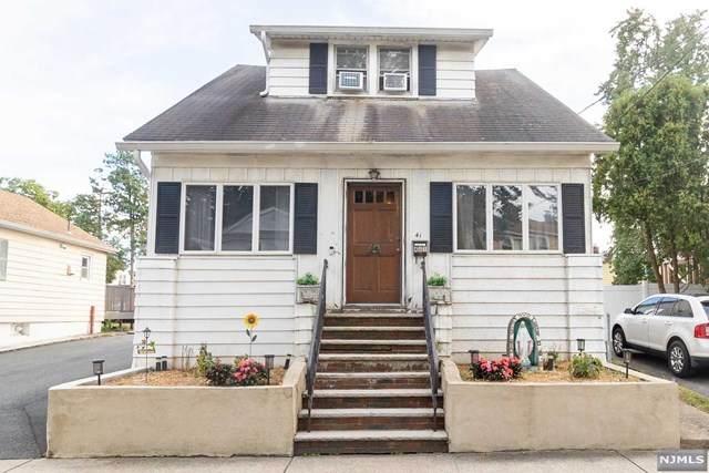 39 Bergen Boulevard, Woodland Park, NJ 07424 (MLS #21038976) :: Howard Hanna Rand Realty