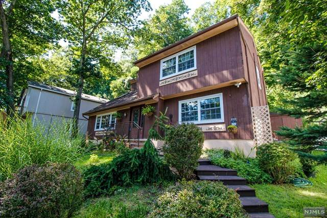 106 W Lake Shore Drive, Rockaway Township, NJ 07866 (MLS #21039316) :: Corcoran Baer & McIntosh