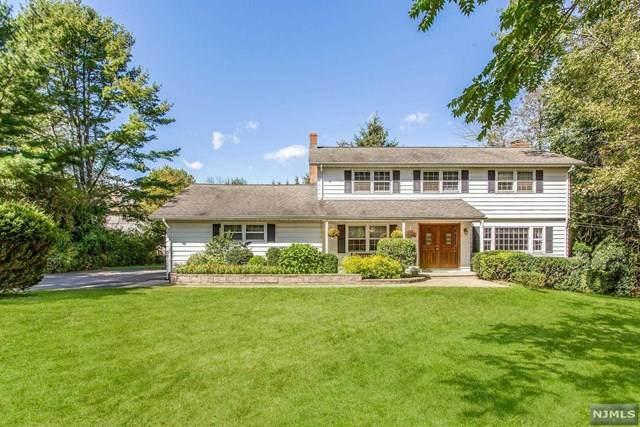 1020 Colonial Road, Franklin Lakes, NJ 07417 (#21039490) :: NJJoe Group at Keller Williams Park Views Realty