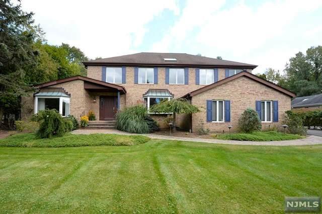 39 Gloria Drive, Allendale, NJ 07401 (MLS #21039668) :: Kiliszek Real Estate Experts
