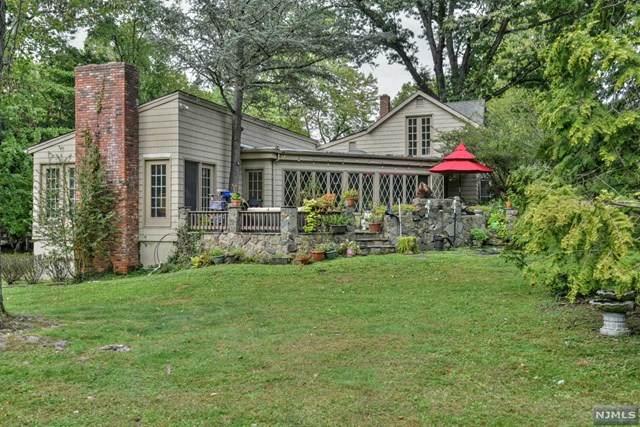 5 Albert Road, Allendale, NJ 07401 (MLS #21039937) :: Kiliszek Real Estate Experts