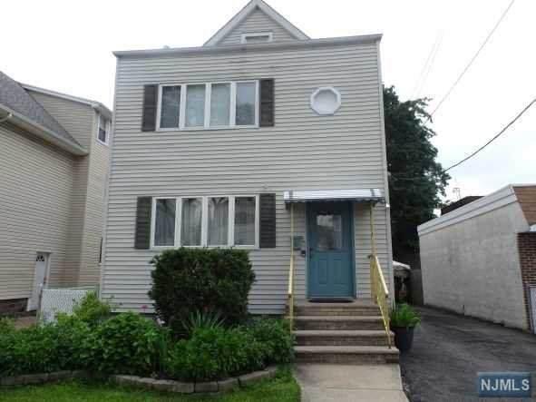 12 Samuel Avenue, Clifton, NJ 07013 (MLS #21039941) :: Pina Nazario